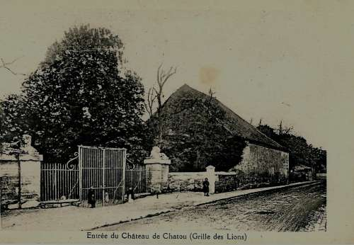 ANCIENNE GRILLE DU CHATEAU DE BERTIN.jpg
