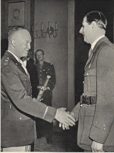 VICTOIRE 8 MAI 1945 IKE022.jpg